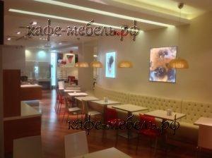 гостевая зона в кафе столовой