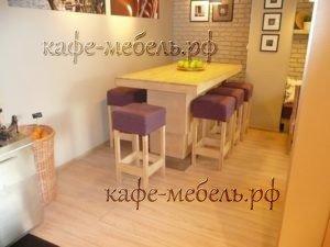 мебель для большой компании в семейном кафе