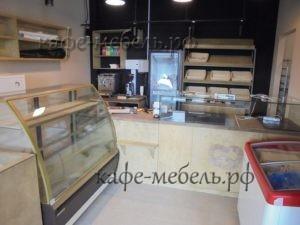 прилавок в кафе пекарне
