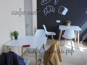 расстановка мебели в гостевой зоне кафе-пекарни