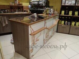 стойка для маленького кафе из дерева на краснопрудной