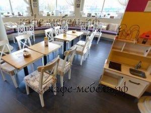 мебельный уголок в детском кафе