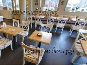мебель в гостевом зале детского кафе