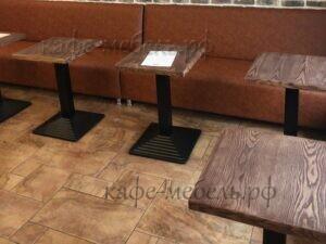 квадратные деревянные столы для кофейни